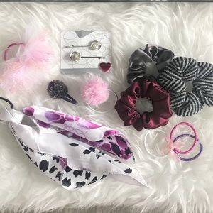 Accessories - Assorted hair accessories